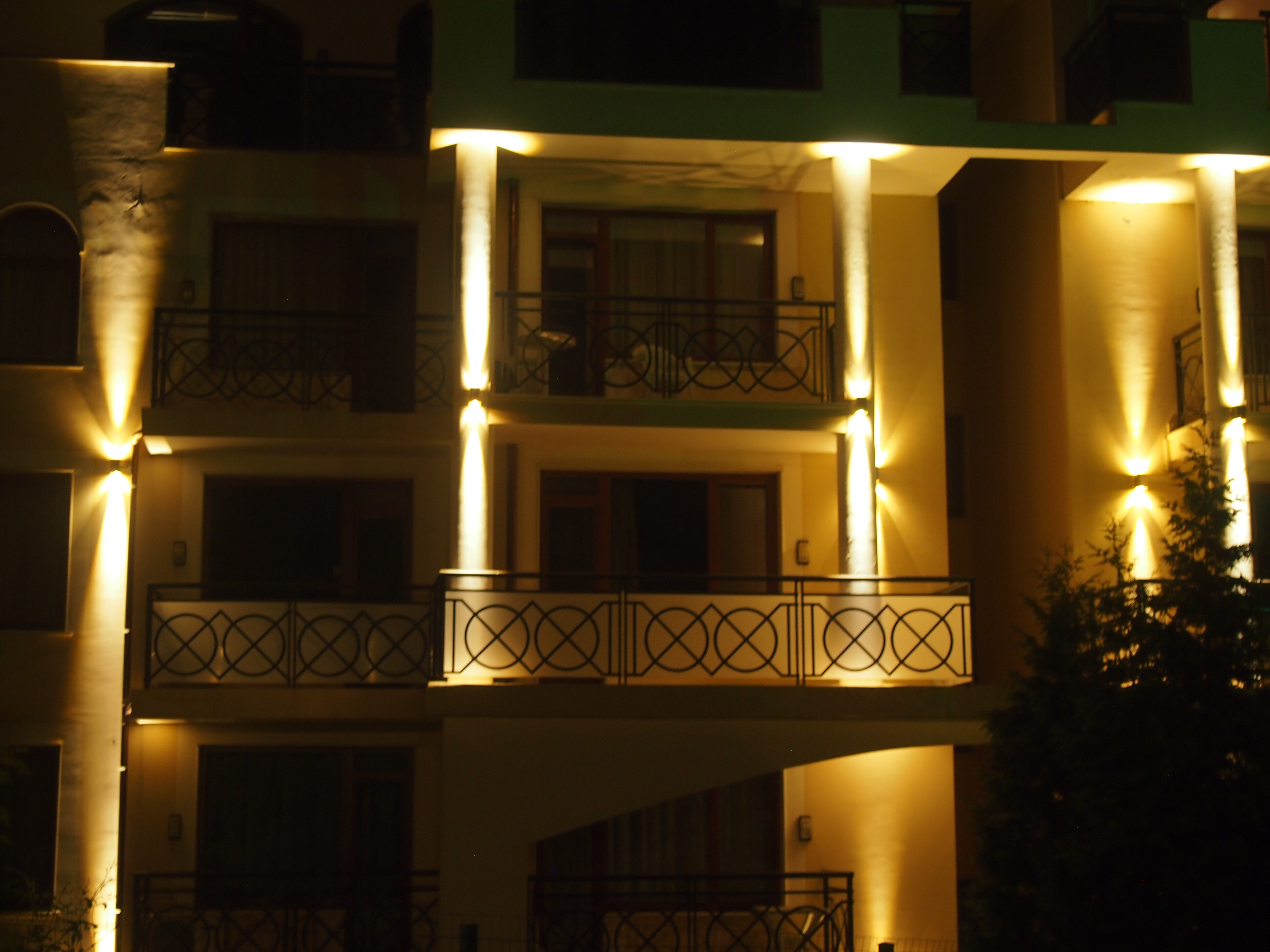 Facade lighting fixtures
