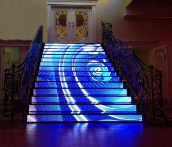 Нестандартни LED екрани
